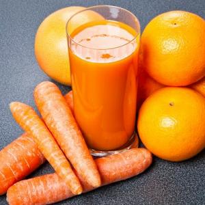 Jugo detox de zanahoria y naranja