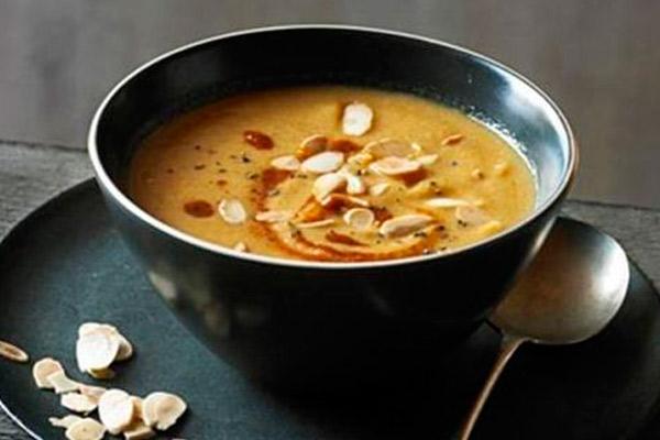 Sopa de Almendras