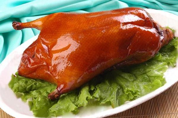 Pato pekín o pato laqueado del barrio chino de lima