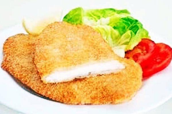 Suprema de pollo, receta clásica de la milanesa de pollo.