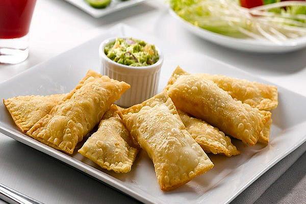 Piqueos peruanos, snacks ideales para reuniones y fiestas