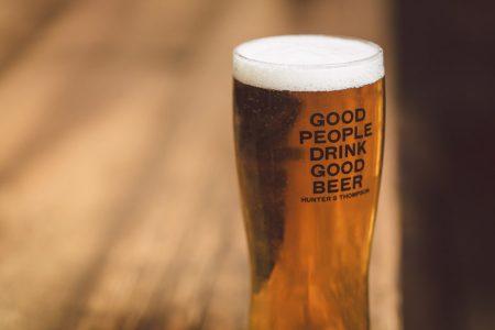 Conoce qué estilo de cerveza tomar esta Navidad