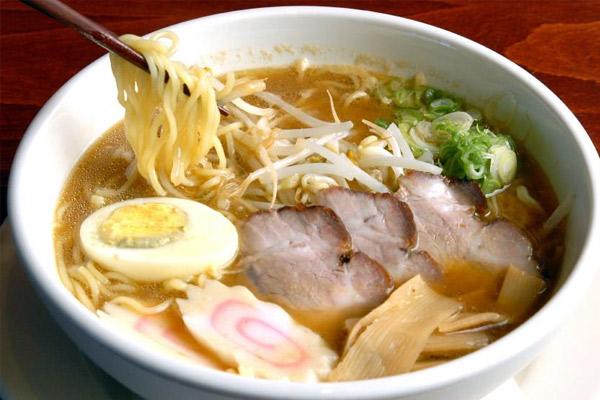 La mejor receta de sopa ramen casera